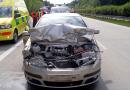 Konec týdne ve znamení dopravních nehod. U Ejpovic vlétlo vozidlo do svodidel