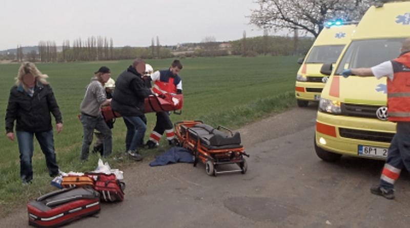 nehoda, záchranáři