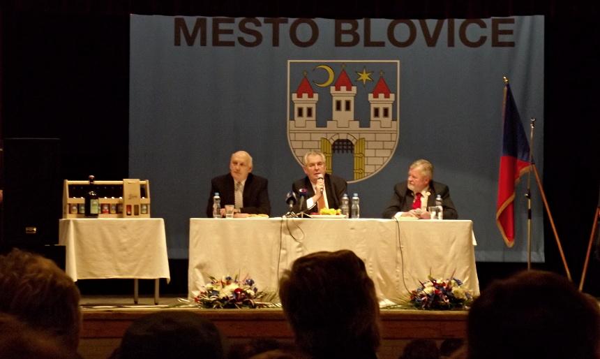 prezident Miloš Zeman na stekání s obyvateli Blovic v lidovém domě, PnD