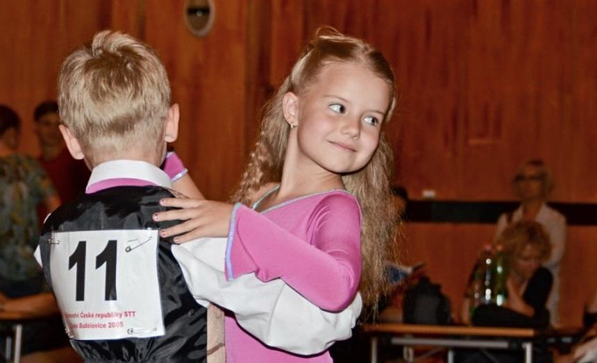 sportovní tanec, zdroj-zajmovekrouzky.cz