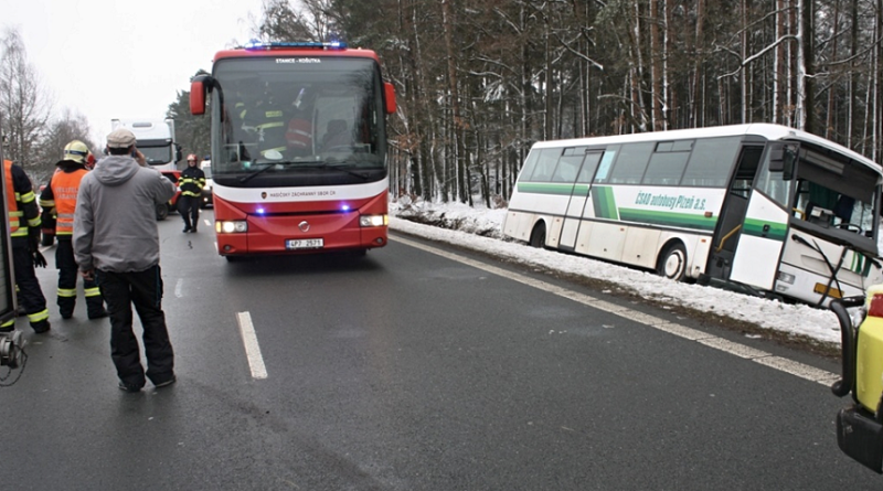 havárie autobusu s dětmi u všerub, hzspk