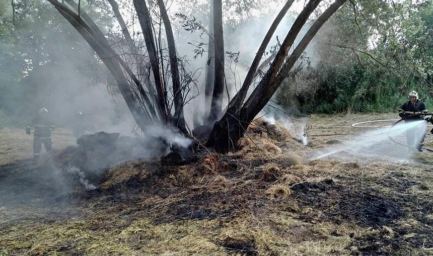 požár slámy u chocenic, hasiči blovice