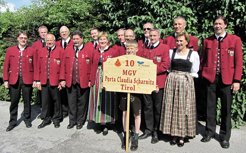 vystoupení pěvců Porta Claudia Scharnitz z rakouska, zdroj - plateauzeitung.at
