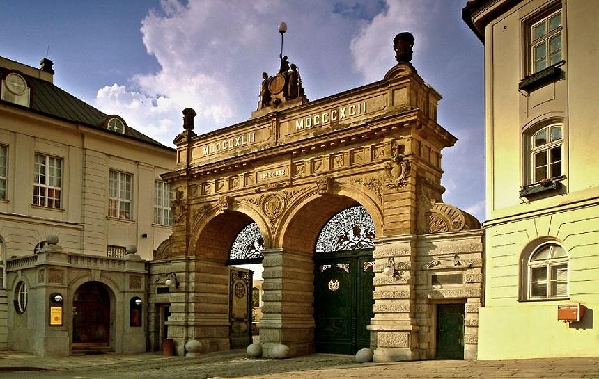 plzeňský prazdroj - brána, zdroj - plzen.eu
