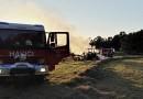 U Louňové zcela shořel traktor. Ačkoliv hasiči na místo dorazili rychle, stroj se zachránit nepodařilo