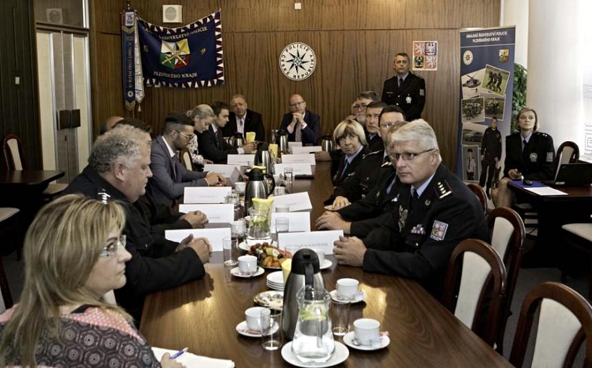 premiér Sobotka u policie v plzni na návštěvě, zdroj - policie.cz