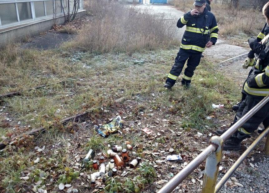 nalez-nebezpecnych-chemikalii-v-emingerove-ulici-v-plzni-zdroj-mp-plzen