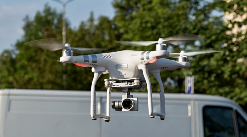 dron, zdroj - wikimedia.org