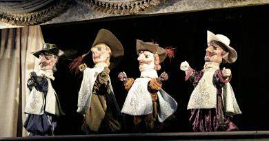 Plzeňské Divadlo Alfa míří do Turecka. Tam vystoupí s maňáskovou groteskou Tři mušketýři