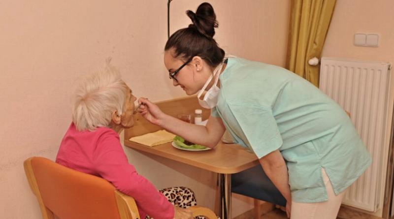 péče o seniory, zdroj - Stř.zdrav.škola FM