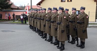 V Holýšově si připomněli 72. výročí osvobození ženského tábora polskou Svatokřížskou brigádou