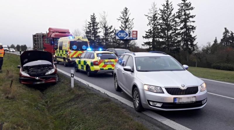 nehoda losiná 12.11. ráno, zdroj - HZSPk
